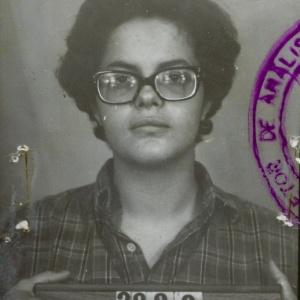 11mai2012--a-advogada-rosa-maria-cardoso-da-cunha-defendeu-dilma-foto-quando-a-presidente-foi-presa-durante-a-ditadura-militar-e-e-integrante-da-comissao-da-verdade-1336752842542_300x300