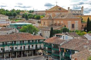 Plaza y Parador