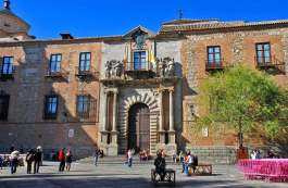 Fachada del Palacio Arzobispal