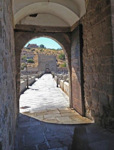 Puerta del Puente de San Martín