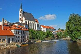 Iglesia de San Vito y el Moldava