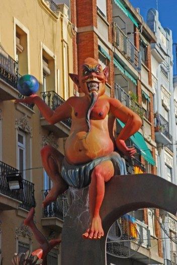 Ninot Diablo en Carrer Cuba
