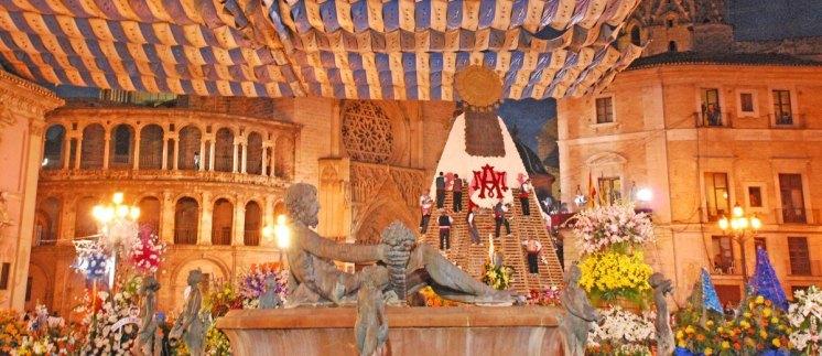 Ofrenda floral - Plaza de la Virgen