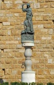 FLORENCIA-Piazza-Signoria-Giuditta-Oloferne
