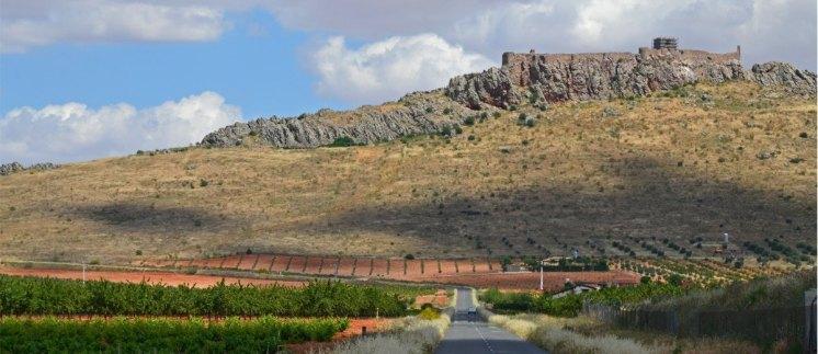 Castillo de Peñas Negras (Mora) - Ladera oriental
