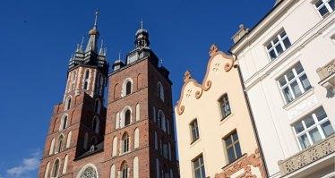 Torres de la Basílica de Santa María y Casas Medievales