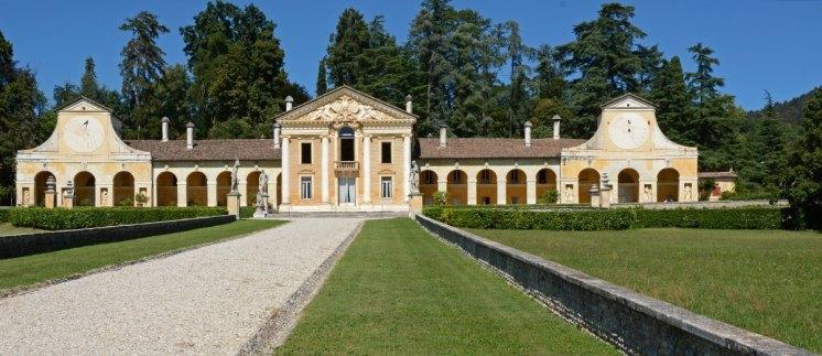 Villa Barbaro y Jardines