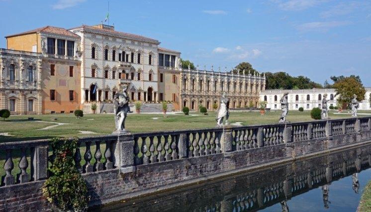 Villa Contarini. Jardines y Villa