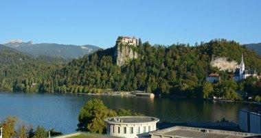 Castillo de Bled e Iglesia de San Martín desde Zona Hoteles