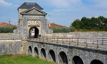Saint Martin de Ré.. Puerta de las Murallas de Vauvan