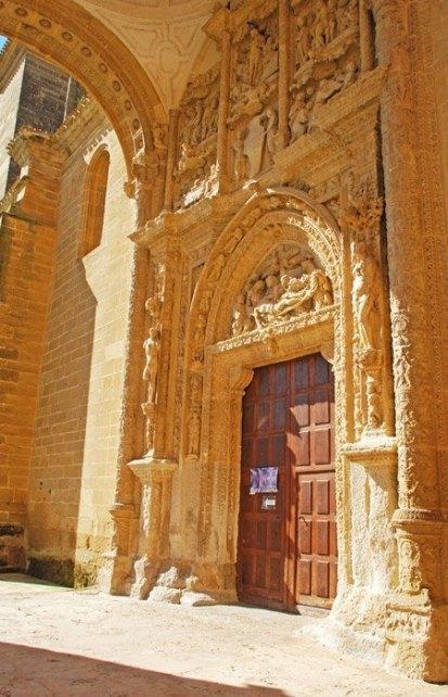 CASALARREINA - Portada Monasterio de la Piedad