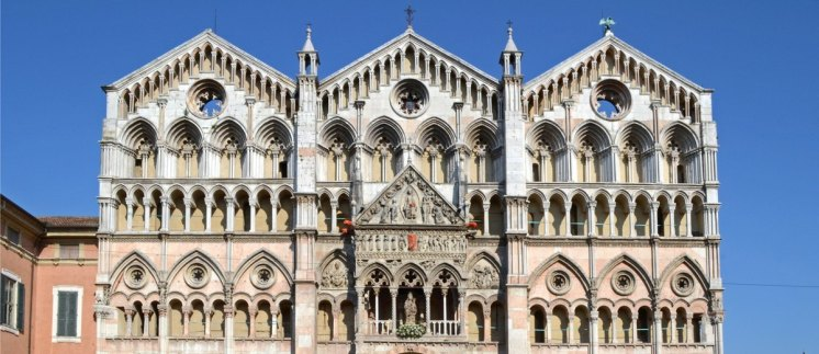 Catedral. Detalle de la Fachada