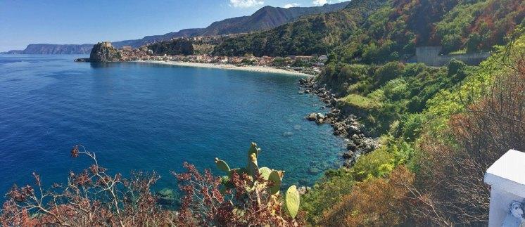 """Scilla desde el """"Belvedere Moriselli"""""""