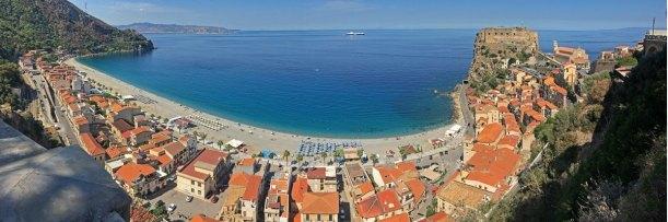 La Playa de las Sirenas (Spiaggia delle Sirene) - SCILLA