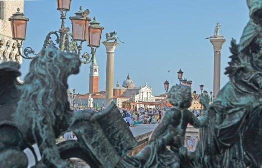 San Giorgio Maggiore desde la reja de la Loggia