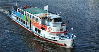 Barco en Río Moldava