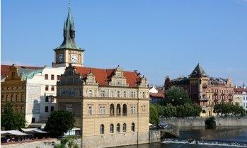 Río Moldava y Museo Smetana