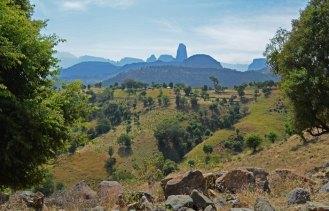 Los Montes Simien: Destacando la silueta del Monte Aza