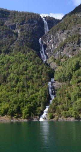 Catarata en el Fiordo de Aurland