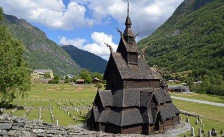Iglesia de Madera de Borgund y Centro de Interpretación