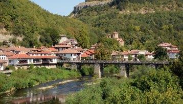 Río Yantra y Barrio de Asenova