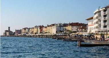 Paseo Marítimo y Faro