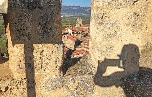 Frias desde las almenas del castillo