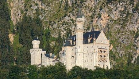 Castillo de Neuschwanstein y Paredes de los Alpes Bávaros