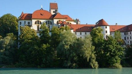 Füssen. Río Lech y Monasterio Benedictino de Sant Mang