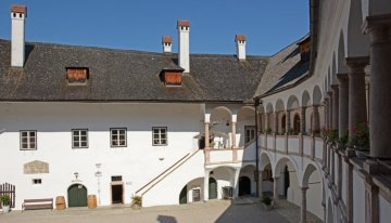 Gmunden. Patio del Castillo de Ort