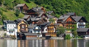Hallstatt. Casas junto al Lago