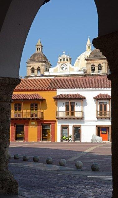 Plaza de la Aduana desde Arco de la Casa de la Aduana