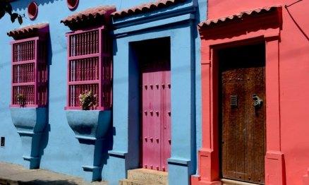 Casas Roja y Azul