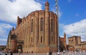 Ábside de la Catedral de aspecto fortificado