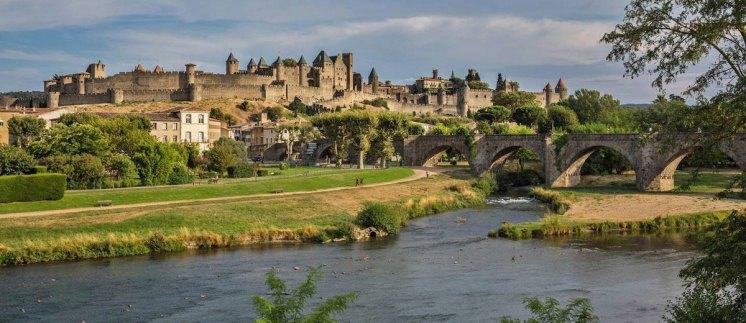 Vista de la Ciudadela de Carcasona desde el río Aude