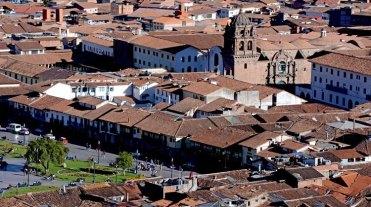 Plaza de Armas e Iglesia de los Mercedarios