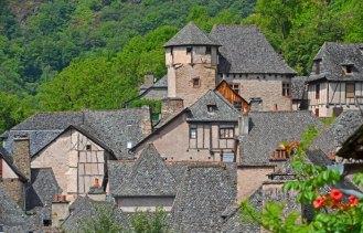 El Castillo d'Humières destaca sobre Conques