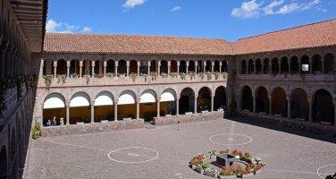 Coricancha. Claustro del Convento de Santo Domingo