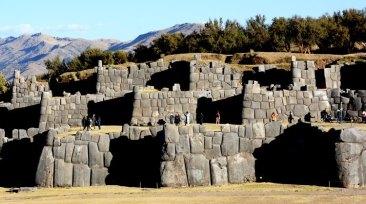 Sacsayhuamán. Murallas y Cordillera Andina