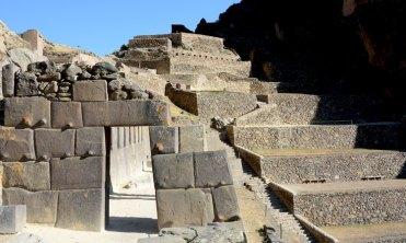 Ollantaytambo. Puerta Ciudad Sagrada y Terrazas de Cultivo