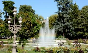 Jardínes del Grand Rond. Fuente y Farola