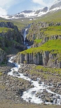 Cascadas en Reyðarfjörður