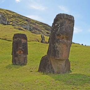 Hinaritu: el moai torcido