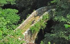 Puente de piedra - Río Miera