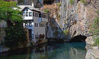 Blagaj. Monasterio Derviche y Nacimiento del Río Buna