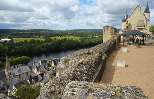 Chinon - Villa y Château du Milieu
