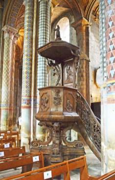 Púlpito de madera