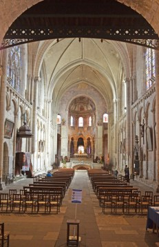 Interior Iglesia Santa Radegunda