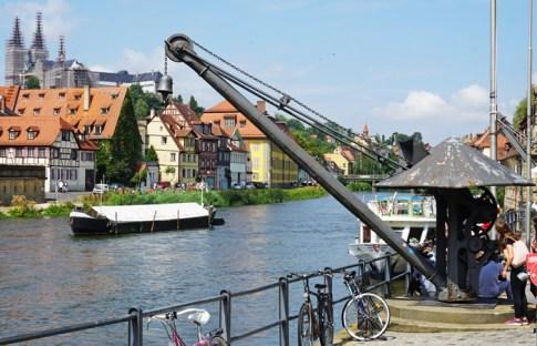 Muelles del puerto sobre el río Regnitz