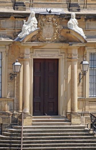 Portada de Palacio